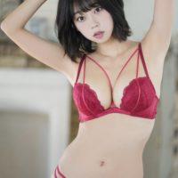 【画像】青山ひかるさんの最新のおムネ、最高過ぎるwwwww